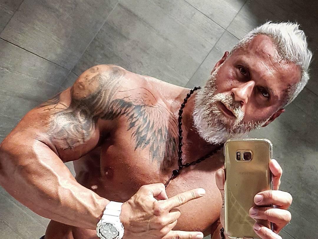 öreg srác péniszét