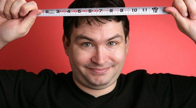 a legkisebb péniszű srác