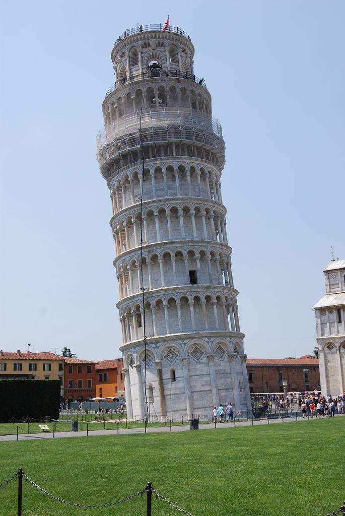Pisa-i ferde torony a pénisz alapja az
