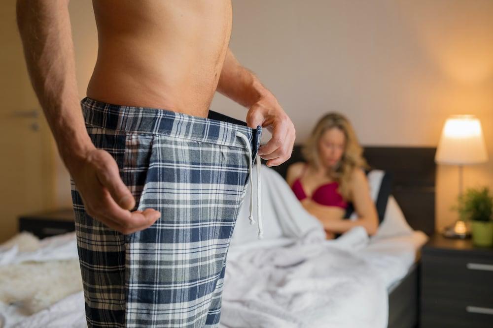 finoman stimulálja a péniszt