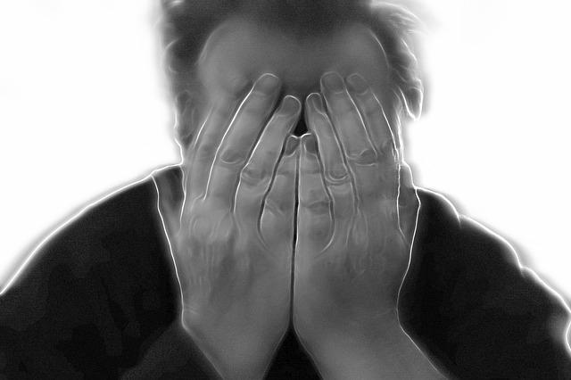 A merevedési zavar tünetei és gyakorisága