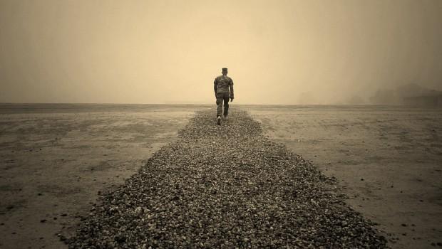 váratlan merevedés a tengerparton